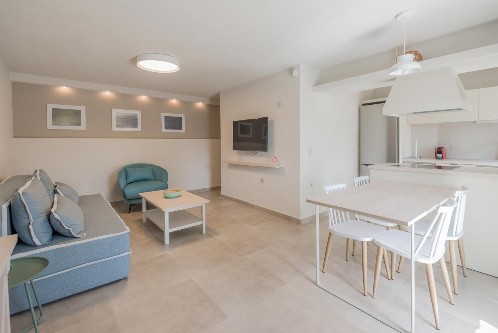 Διαμέρισμα δύο υπνοδωματίων με θέα κήπο